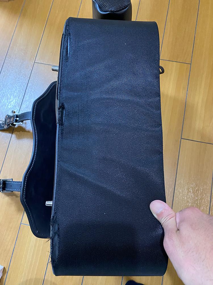 デグナーの17Lサドルバッグの底の部分をアングルで補強してみました その1