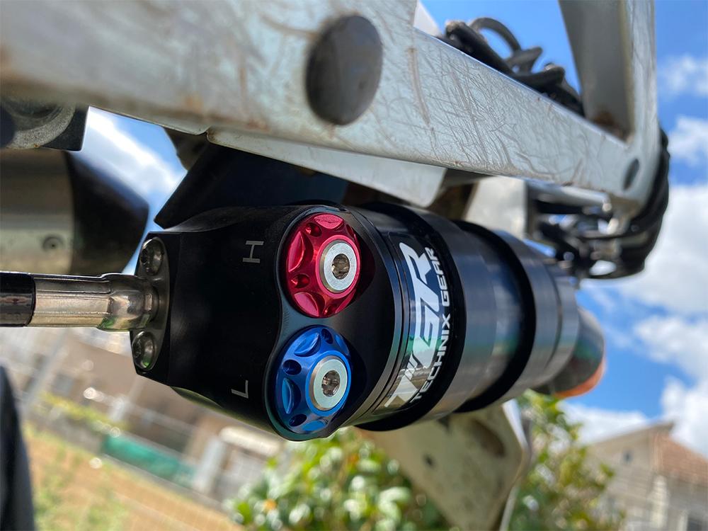 Technixのフォークスプリング(ハードスプリング Front 4.6N/mm)とリアサスペンション(TGR TEC-5.2 Performance shock/トライアル)交換 その2